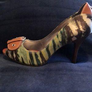 Green striped Guess heels